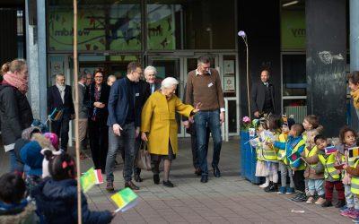 Visite de S.M. la Reine Paola à l'école fondamentale « De Wereldreiziger » à Anvers